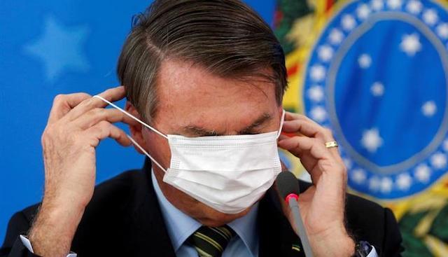 """""""会見中にマスクを外した"""" ブラジル報道協会が大統領を提訴へ"""