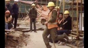 【話題】『湖北省の建設現場より。マイケル・ジャクソン転生』