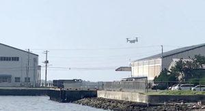 【話題】『とうとう、オスプレイが木更津に着陸しました。千葉県全域で、オスプレイ配備撤回!訓練は許さないの声をあげましょう!!  やはり、独特の音でした』