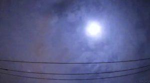 関東上空で大きな火球を確認 爆発音も