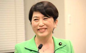 福島みずほ議員「介護用マスク、厚労省は1000枚で段ボール1箱で備蓄すると… 8万枚だと8万箱の備蓄!」