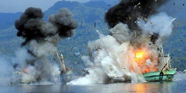 【話題】『インドネシア🇮🇩アルゼンチン🇦🇷では、違法に操業をした中国漁船を爆破して沈没させています』