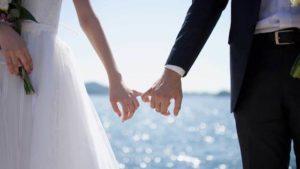 【小学館調査】夫が「結婚しなければよかった」と思った理由 → 3位「金銭的な自由」、2位「行動の制約」、1位は…