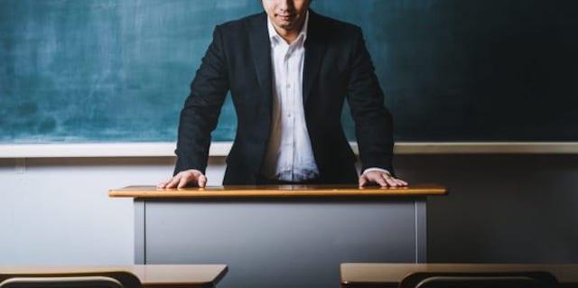 わいせつ教員への免許再交付 教委に「裁量的拒絶権」 現行法では教員免許失効後、3年たてば免許の再取得が可能