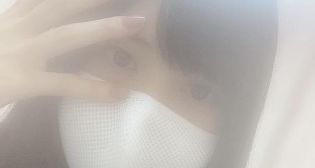 声優・小泉萌香さん「iPhoneのインカメ壊れたかも。なんでやろ…iPhoneシャワーで洗ってるからかな…」