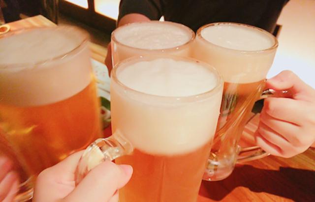 宣言延長下でも繁華街活況 昼飲み、路上で缶ビール「罪悪感もないし、罰則もないから怖くない」「自粛続きの大学生活は限界」