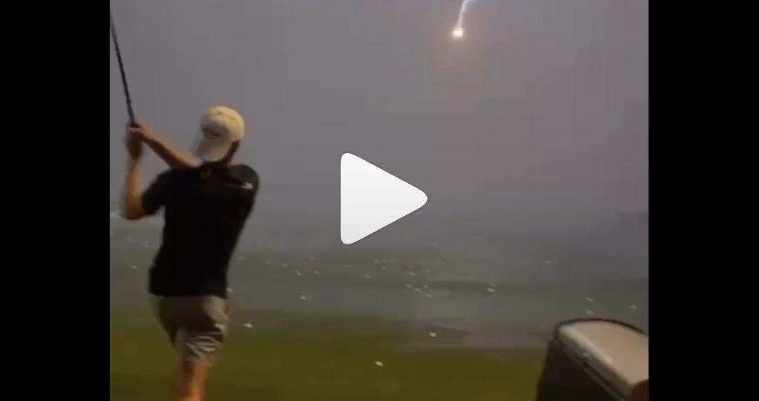 「ホールインワンよりすごい!」打ったゴルフボールに雷が直撃(※動画)