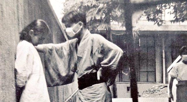 【話題】『昭和31年のリアル壁ドン。しかも…』