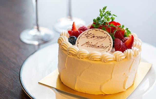 同僚が退職『写真入りケーキを発注してくれ』→ 当日「ジャジャーン!」箱から出した結果…